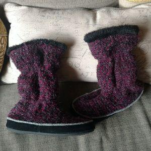 Acorn women's boot slippers sz 5-6 NWOT